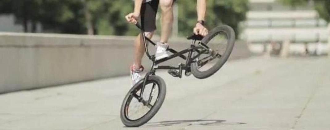 BMX Flat : comprendre la discipline et trouver l'équipement adapté pour débuter
